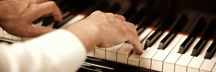 Adult-Piano-Lessons-to-Learn-the-Piano